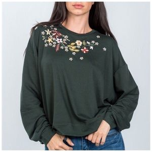 Embroidered loose fit sweatshirt S,M, L NWT